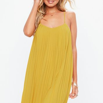 Missguided - Mustard Strappy pleated Swing Dress