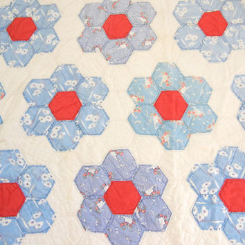 Grandmas Flower Garden quilt in red white and blue / vintage feedsack fabrics / antique / cotton / twin bed / Hexagon / Home decor / chic