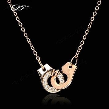 Handcuffs Love Cubic Zirconia Necklaces & Pendants Rose Gold Color Fashion Brand Jewelry For Women Chain Accessiories DFN149