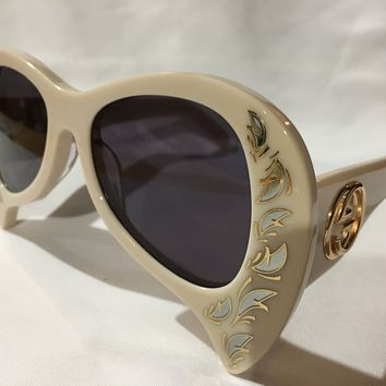 Authentic New GUCCI Sunglasses GG0143S Mother of Pearl White Frame Gray Lens
