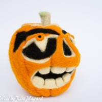 Woolen carved pumpkin. Halloween decor. Needle felted. Handmade. 100% wool.