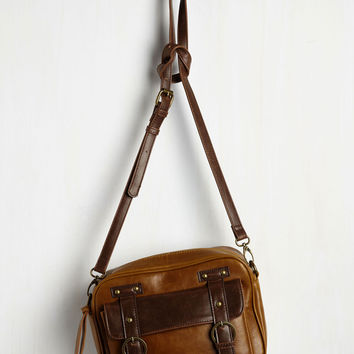 Up and Getaway Bag in Cognac and Brown | Mod Retro Vintage Bags | ModCloth.com