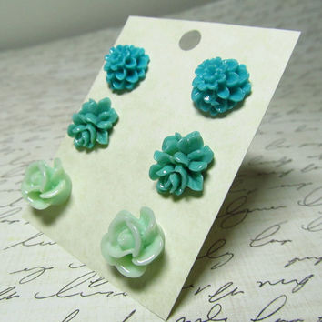Flower Stud Set Blue & Turquoise Bouquet Mum and by EbonFlow