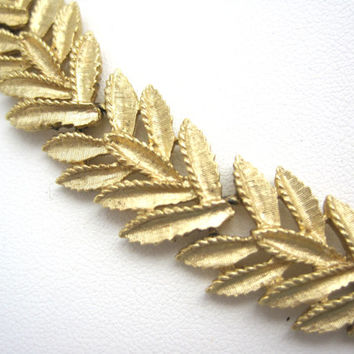 Vintage Trifari Gold Leaf Necklace - 1950s Costume Jewelry