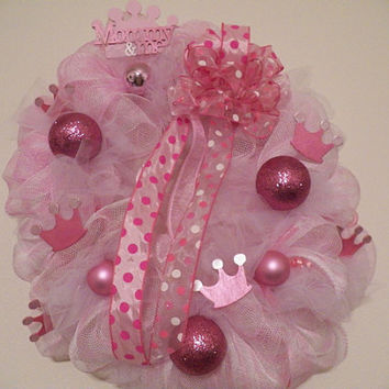 It's a Girl Welcoming Wreath, Baby Shower Decoration, Door Hanger Ready to Ship