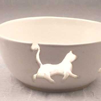 Ceramic White Cat Yarn Bowl Knitting Yarn Keeper Wheel thrown  Stoneware Ceramics   Pottery