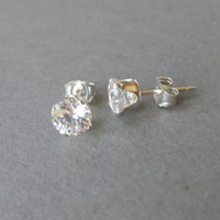 Sterling Silver 5mm Cubic Zirconia Stud Earrings, fake Diamond Earrings, Simple Earrings