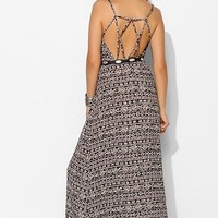 Staring At Stars Strappy Geo-Back Maxi Dress - Urban Outfitters