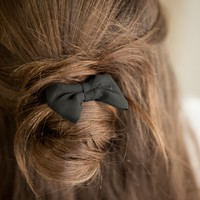 BLACK RIBBON HAIR TIE