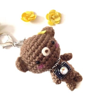 Handmade Bag Charm Crochet Brown Bear Key Chain Amigurumi Bear with Camera Charm Teddy Bear Kawaii Accessories Girls Stuff Gift Ideas