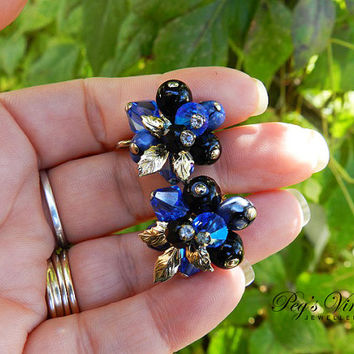 Unsigned Vendome Earrings//Faceted Blue Aurora Borealis Earrings//Black And Blue Bead Cluster Clip On Gold Leaf Earrings
