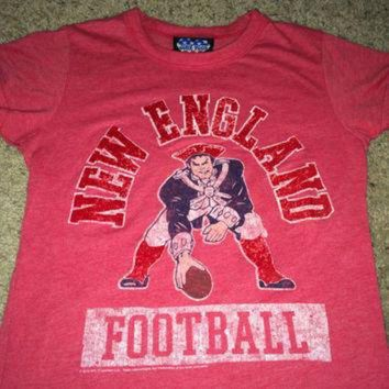 PEAPYD9 Sale!! Vintage NEW ENGLAND Football Shirt NFL jersey Junk Food tee