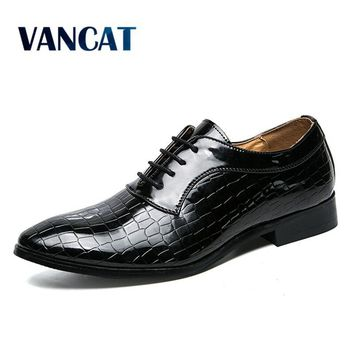 VANCAT Men shoes patent leather formal dress fashion snake skin desinger italian glossy male pointed toe brogue oxford shoes