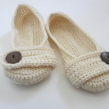 Women's Crochet slippers - Button slippers - wedding slippers - cream ivory white - womens sizes 5 6 7 8 9 10 - toddler sizes - custom