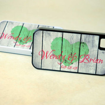 Personalized Rustic Wood Phone Case, Couple Phone Case, Rustic Heart, Matching Phone Case for Brides, Winter Wedding, Red and Green, Custom
