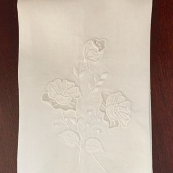 LinenTea Towel, Ecru Linen Guest Towel, Embroidered Scalloped Trim, Sheer Insert, Vintage Hand Towel, Beautiful Bridal Hostess Gift