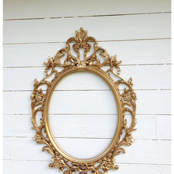 Picture Frame Wedding Photo Prop,ORNATE FRAME, Gold Baroque Oval Picture Frame, Shabby Chic Nursery Girls Room Wall Display