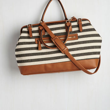 Impromptu Escape Weekend Bag in Black and Ivory | Mod Retro Vintage Bags | ModCloth.com