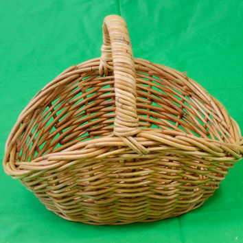 Vintage Traditional Large Deep Cane/ Wicker Shopping Basket Sturdy Display/Prop