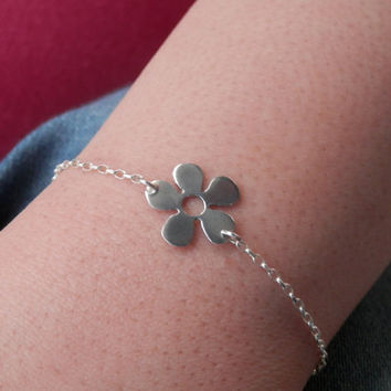 bracelet for girls,Gift for teen ,silver jewelry, tiny flower bracelet,for teen, girls gift, birthday gift,every day,handmade,personalized
