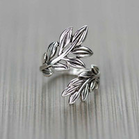 Fashion Leaf Ring