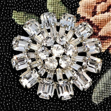 Vintage Signed WEISS Rhinestone Brooch Crystal Glass Rhinestone Brooch Mid Century 1950s Hollywood Wedding Bride Bridal Designer Fashion