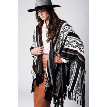 DCCK8BW GEO-TRIBAL PATTERN FRINGED PONCHO