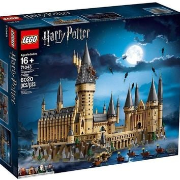 Lego Harry Potter Hogwarts Castle 71043 Presale New with Box