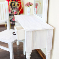 1/6 scale Vanity Table with Mirror for dolls (Blythe, Barbie, Bratz, Momoko). Shabby Chic style