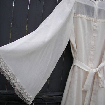 14% OFF SALE Vintage Light Cream Linen Shabby Chic Prairie Wedding Dress Vintage Wedding Gown Delicate Dress