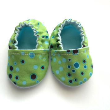 Newborn Polkadot Baby Booties - Baby Slippers - Shower Gift - Slipper Booties - Newborn Polkadot Baby Shoes