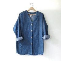 20% OFF SALE / vintage oversized jean shirt. blue denim shirt. button down shirt. Denim tunic top.