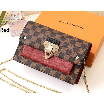LV 2019 new women's personality fashion horseshoe buckle saddle bag chain bag shoulder bag Red