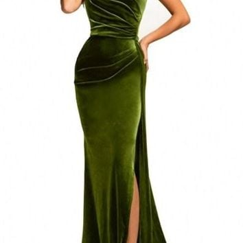 Elegant Green Thigh High Split Velvet Long Evening Gown
