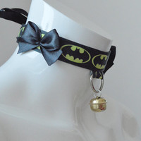 Kitten pet play collar - Arkham hero - bdsm proof black and yellow batman inspired geek choker with golden bell - superhero lolita cosplay