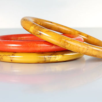 Marbled Bakelite Bangles set of Three, Peanut Butter Red Orange, Stacking Stackable Tubular Thick