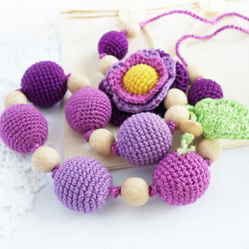 Floral  violet gradient Breastfeeding Necklace  (violet ,purple, lilac) / Crochet Necklace / teether / Nursing / Boho /Eco-friendly jewellry