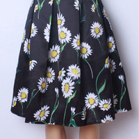 Daisy Print Box Pleated Midi Skirt