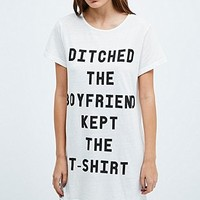 Minkpink Ditched The Boyfriend Tee in White - Urban Outfitters