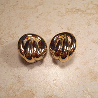Erwin Pearl Designer Signed Vintage Earrings Gold Tone Clip on Twist Knot Chunky Retro Womens Metal Jewelry 1980s 80s