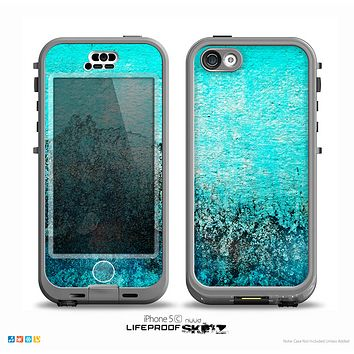 The Grungy Teal Surface V3 Skin for the iPhone 5c nüüd LifeProof Case