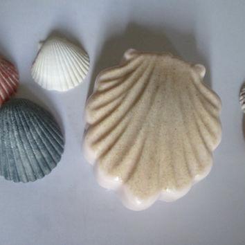 Beach wedding. SCALLOP SHELL SOAPS.  Cloth  bags, honey, oatmeal, calendula extract, vanilla, cocoa butter, no detergents, light scent