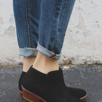 Be Mine Booties - Black
