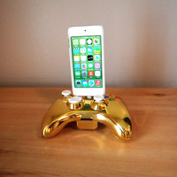 Microsoft Xbox 360 Special Edition Gold Chrome controller iPod or iPhone 5 5S 5C charger dock USB