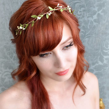 Wedding headband, flower circlet, simple leaf and berry tiara, bridal crown, wedding hair accessories