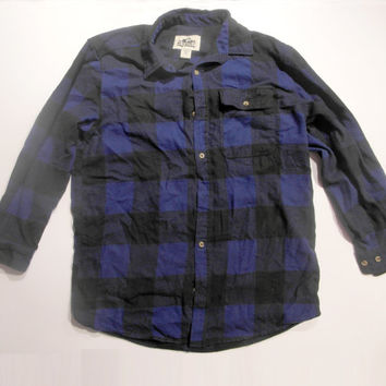 "Deep Blue Buffalo Plaid ""Old Mill"" Flannel Shirt Size: Large 80/20 cotton polyester blend"