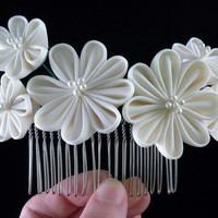 Ivory white flower vintage kimono fabric Kanzashi hair comb - wedding bridal hair accessory