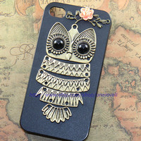 Cutu Owl iphone case,owl on the branch ,resin flower case for iPhone 4 Case, iPhone 4s Case, iPhone 4 Hard Case