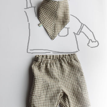 Baby boy linen short pants, bermuda shorts, shorts. Size 12-18  months. 100% raw linen, soft and resistant. Checkers print.