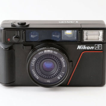 Nikon L35 AF 35mm Auto Focus Film Camera with Case & L37 Filter Fully Working